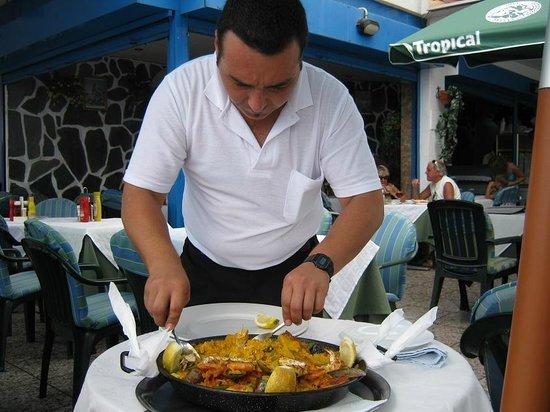 La Gran Paella Valenciana: The funniest guy in the island