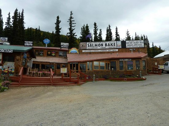 Eateries below Denali Bluffs Hotel