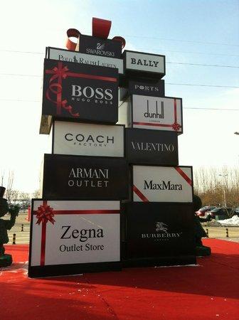 Beijing Scitech Premium Outlet Mall : International brands
