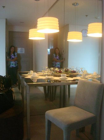 BSA Twin Towers: dining area of the room