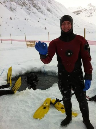 Ice Diving School in Tignes