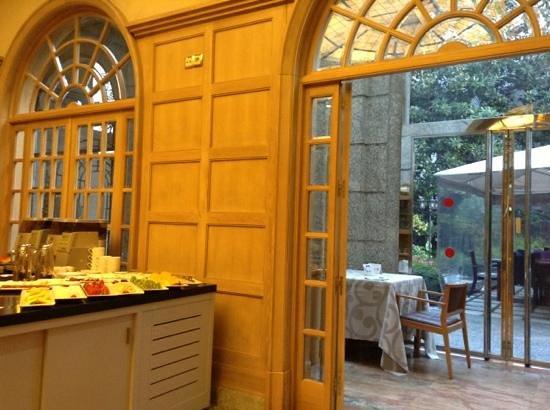 Jardin de Recoletos: cafetería y desayuno en el jardín