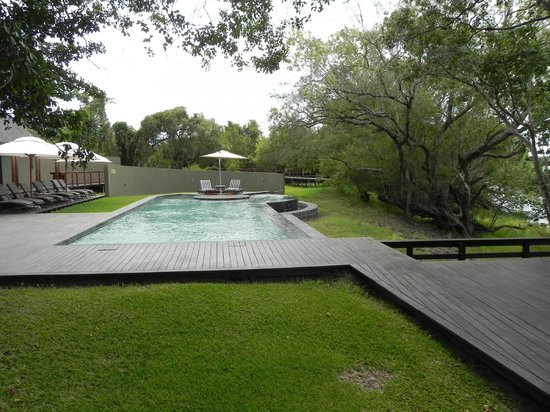 Royal Chundu Luxury Zambezi Lodges: Pool at main Lodge