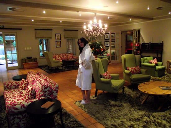 African Pride Mount Grace Country House & Spa : Walking through the common areas
