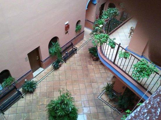 PV-Holidays Residence Patio de la Alameda: Patio de La Alameda