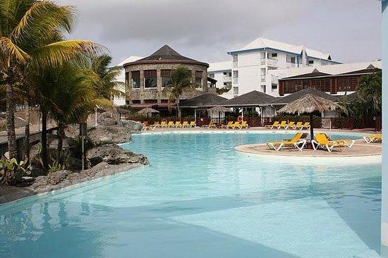 Le Manganao Hotel Club Paladien: La piscine