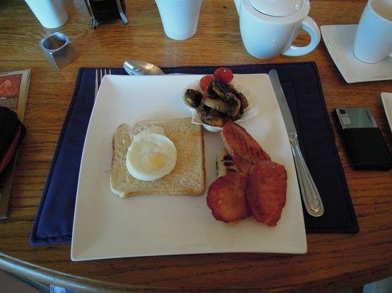 The Bay Atlantic Guest House: Our first English breakfast at the Bay Atlantic