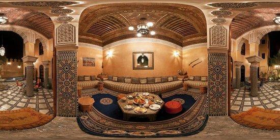 Riad Layalina Fez: Salon