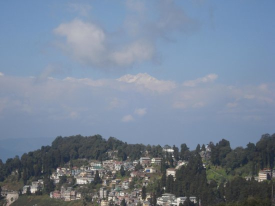 Summit Swiss Heritage Hotel & Spa: View of Kanchenjanga from Tenjing Norgey Suite