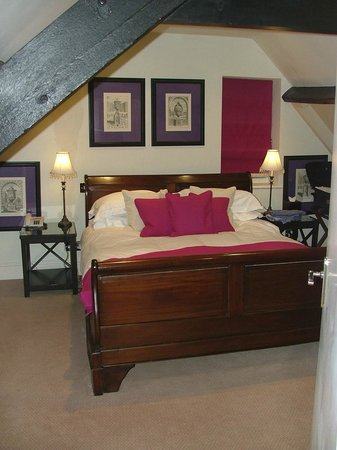 The Slaughters Country Inn: Double bedroom - The Manor Suite.