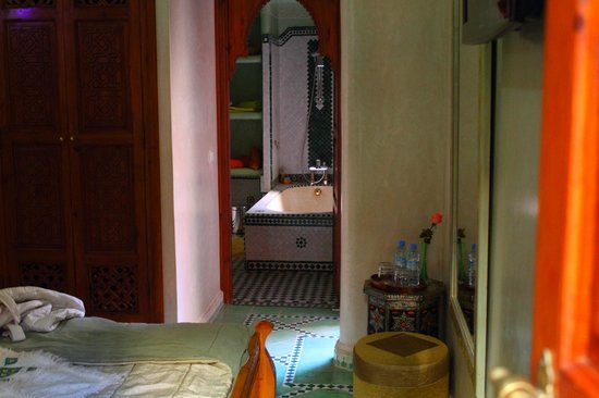 Riad El Wiam: bedroom