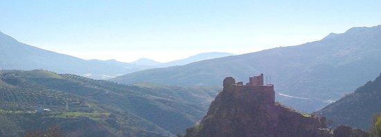 Hotel Castillo Lanjaron: Vistas hacia el castillo arabe