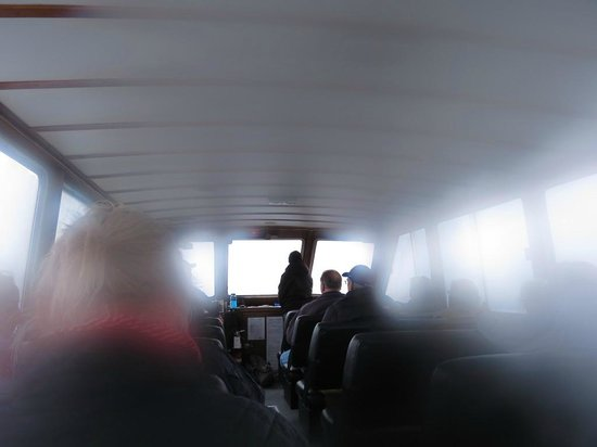 Maligne Lake Cruise: Fogged up camera lens after re-boarding the boat