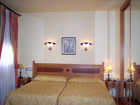 Hotel Castillo Lanjaron: Habitacion doble