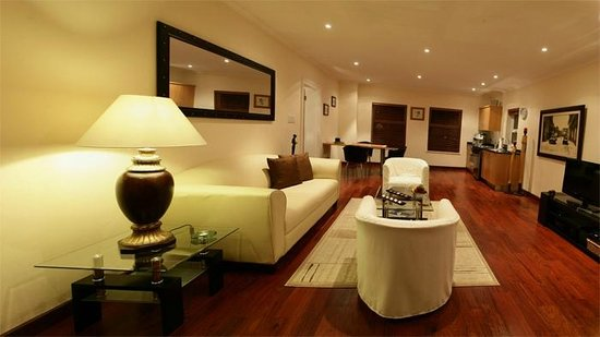 Helderview Hotel & Suites: Hippo Living Room