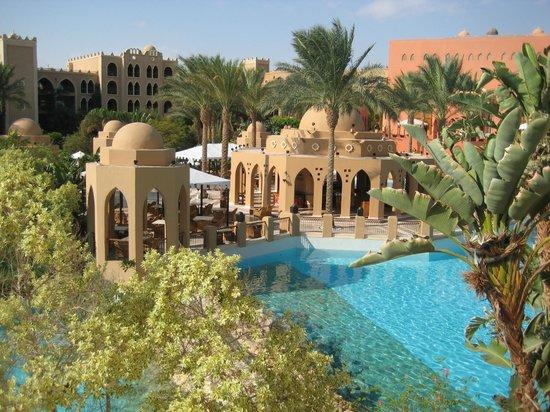 The Makadi Palace Hotel : Bar mit Pool