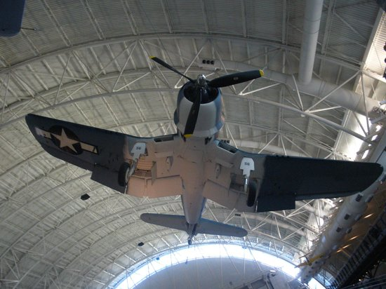 Smithsonian National Air and Space Museum Steven F. Udvar-Hazy Center: Love the Corsair.