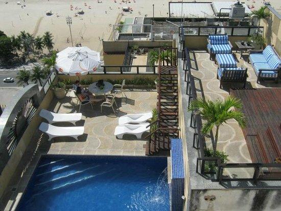 Atlântico Copacabana Hotel: piscina muito legal