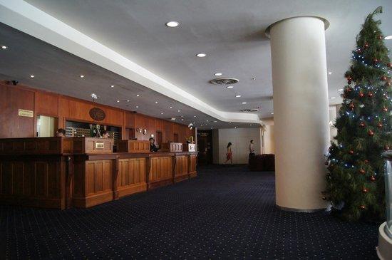 Kings Perth Hotel: Recepcja w Hotelu na parterze.