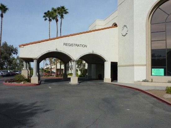 Sheraton Tucson Hotel And Suites Front Entrance Way