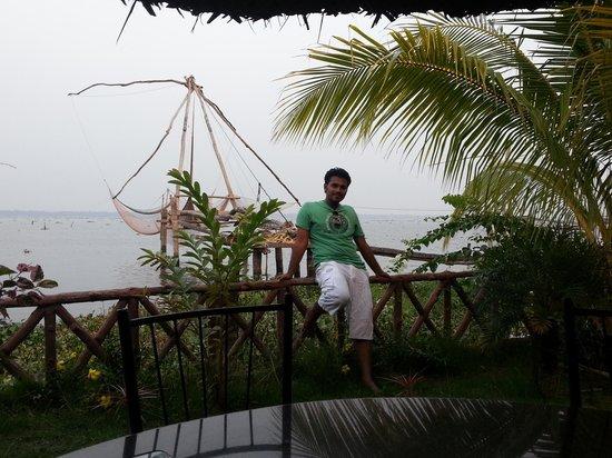 Lake Symphony Resort: Near china net