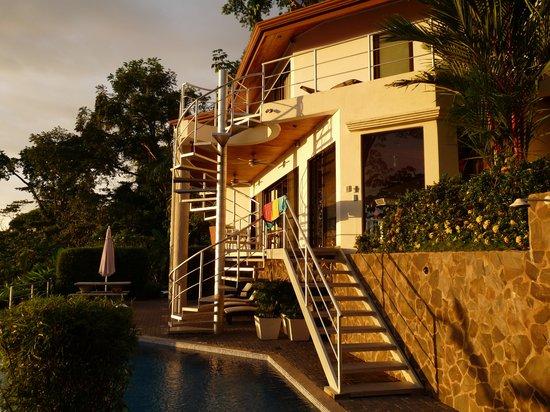 Paradise Breezes: Entryway