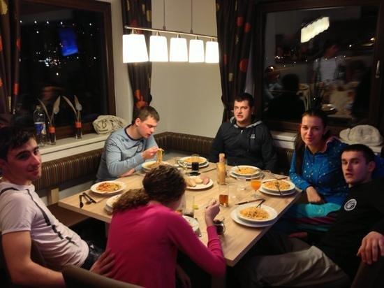 Appartement Rechenau: ужин
