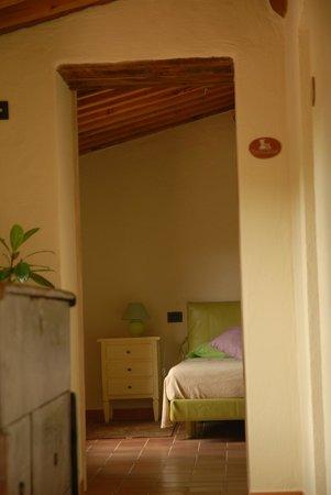 Thalassa Locanda - B&B: Camera Thalassa dal corridoio