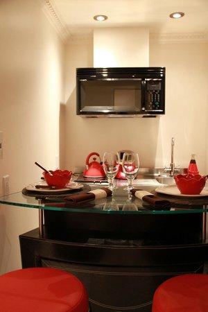 Hotel Kutuma: kitchen