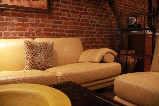 Hotel Kutuma: living room