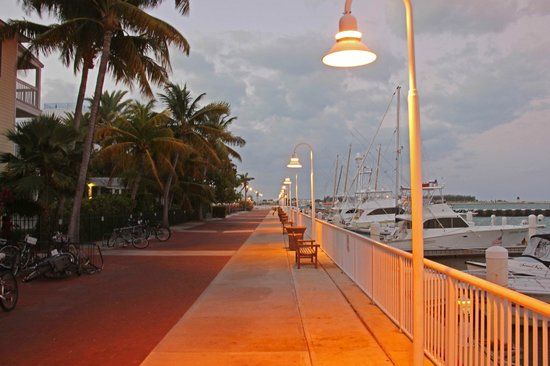 Hyatt Residence Club Key West, Sunset Harbor: In front of Hyatt - Harbor side