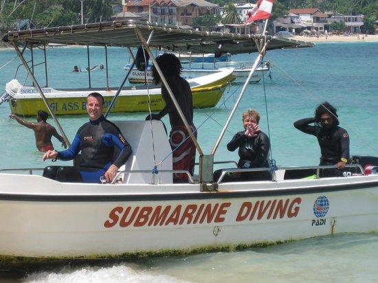 Submarine Diving School: Super entspanntes Tauchen , Keine Massenabfertigung