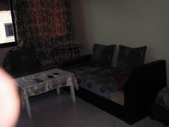 Residence ISNI : Settee 2