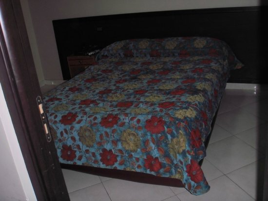 Residence ISNI : Big comfortable bed