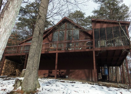 Berkeley Springs Cottage Rentals: Treetop (Woods Resort)
