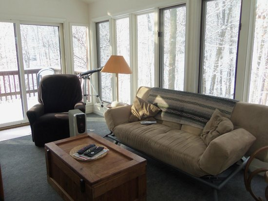 Berkeley Springs Cottage Rentals: Sunroom, Treetop
