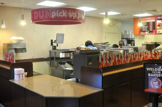 Dunkin' Donuts: store interior