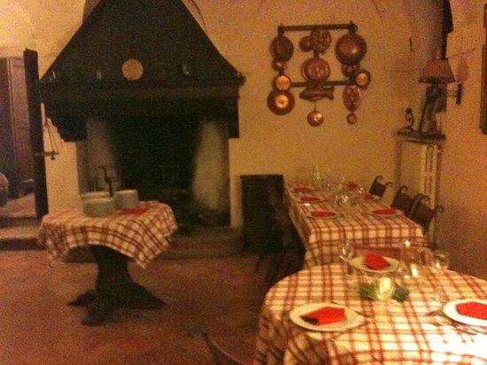 Ristorante la Cucinaccia ai Palazzi Rufini: La sala del camino, dove ho mangiato io