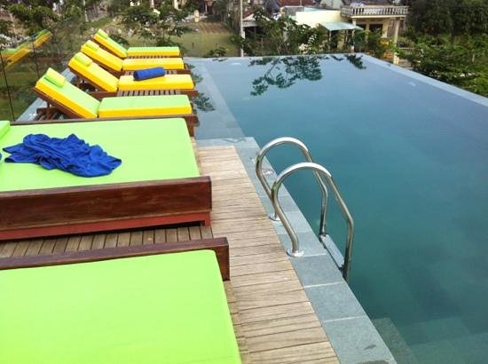 Hoi An Chic Hotel: roof swimming pool