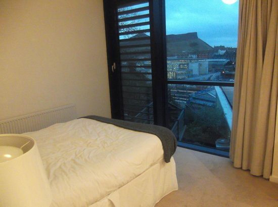 Princes Street Suites: View from bedroom