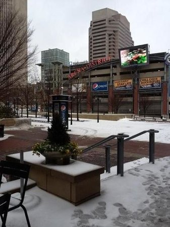 Drury Inn & Suites Columbus Convention Center: a short walk to the Arena district.