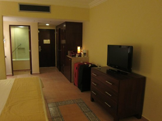 Fiesta Americana Condesa Cancun All Inclusive: Room with king size bed