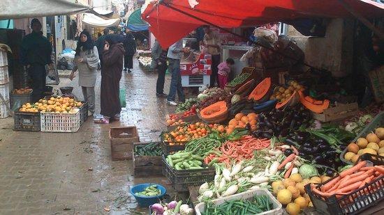 Medina de Mequinez: Medina de Meknès. Puesti de verdura