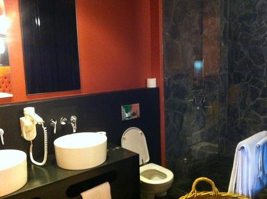 The Concierge Boutique Bungalows: bathroom with out bath