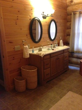 Journey's End Lodge: Master Bath sink