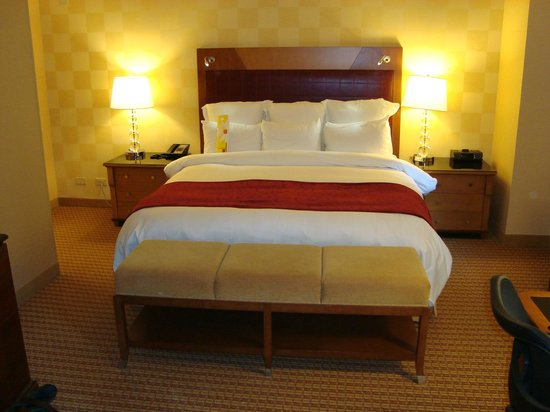 "New York Marriott East Side: the famous ""Marriott Bed"" -fablous night's sleep"