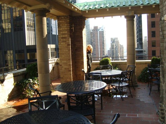 New York Marriott East Side: Concierge Lounge's outside terrace!
