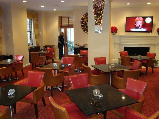 New York Marriott East Side: Concierge Lounge