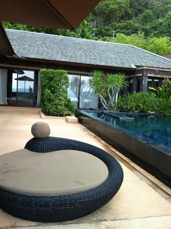 Paresa Resort Phuket: view from terrace to bedroom in the cielo residence