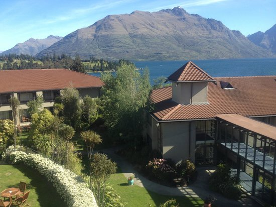 Copthorne Hotel & Apartments Queenstown Lakeview: panorama dal bar